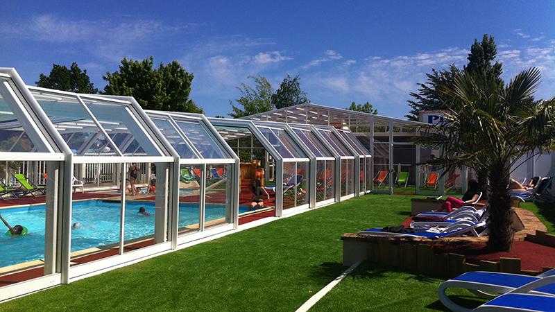 piscine couverte chauff e camping l 39 or e de l 39 oc an. Black Bedroom Furniture Sets. Home Design Ideas