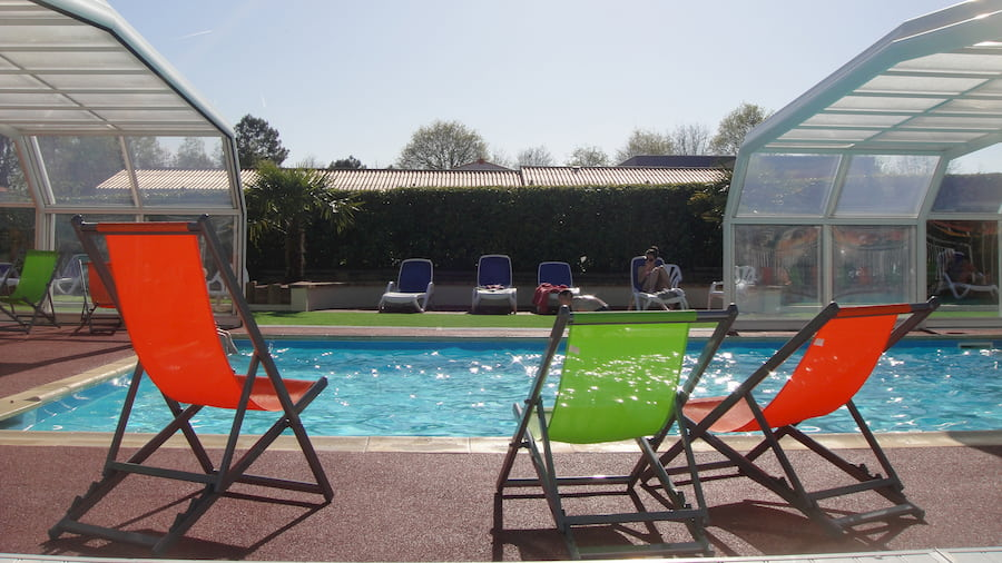 piscine couverte transat